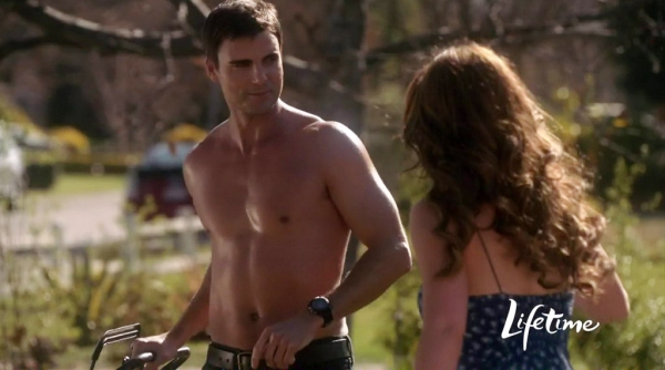 Colin-Egglesfield-in-The-Client-List-1x01-02